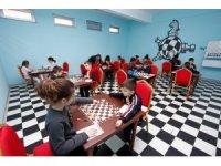 Kocaeli Büyükşehir belediyesi'nden 70 okula satranç sınıfı