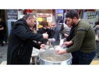 Kilis'te Afrin şehitleri için aşure dağıtıldı