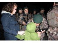 Samsun Özel Harekat polisleri düğüne gider gibi Afrin'e gitti