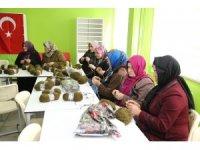 Çayeli'nden Zeytin Dalı Harekatı'nda görev yapan askerlere bin atkı
