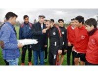 Başkan Kale, Acarlar'daki sporculara moral verdi