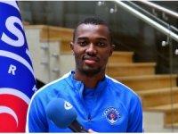 """Bernard Mensah: """"Ceza sahası içerisinde kendimi yere atan bir futbolcu değilim"""""""