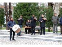 Edirne'de davullu zurnalı kan bağışı