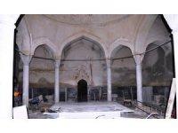Yeni Hamam'da yenileme çalışmaları sürüyor