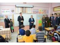 Safranbolu'da öğrencilere 7 bin 500 kitap dağıtıldı
