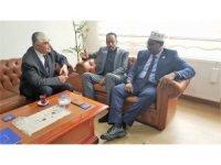 Somalili vekilden, İhlas Vakfı Mütevelli Heyet Başkanı Ahmet Tuncer'e ziyaret
