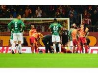 Galatasaray, Eren sakatlanınca 16 dakika 10 kişi oynadı