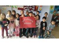 Minik öğrencilerden Mehmetçiklere dua etti