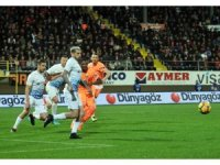 Spor Toto Süper Lig: Aytemiz Alanyaspor: 1 - Trabzonspor: 0 (İlk yarı)