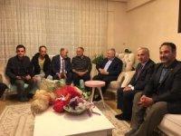 Başbakan Yıldırım, bıçaklanan belediye başkanını ziyaret etti