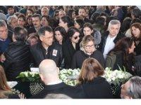 Uçak kazasında hayatını kaybeden iki arkadaş son yolculuklarına uğurlandı