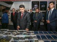 İstanbul Valisi Şahin, CNR 5. Uluslararası Kitap Fuarını ziyaret etti