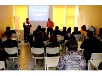Sultanhanı'nda öğrencilere madde bağımlılığı semineri