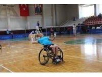 Badminton Türkiye Şampiyonası Mersin'de başladı