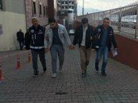 Sahte dolarla yakalanan Suriyeli 2 kişi yakalandı