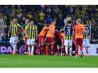 Galatasaray'da derbide zorunlu değişiklik