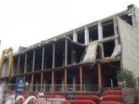 Taksim'deki Atatürk Kültür Merkezi'nde yıkım çalışmaları sürüyor
