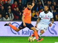 Spor Toto Süper Lig: Medipol Başakşehir: 1 - Beşiktaş: 0 (İlk yarı)