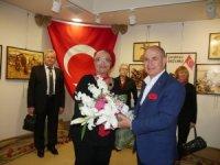 """Emel Uyarlı'nın """"Atatürk ve Çanakkale"""" sergisi Büyükçekmece'de açıldı"""
