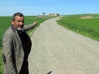 Muhtarın köy yolunu kapattığı iddiası