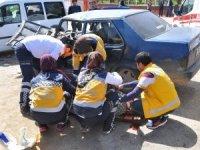 Süt kamyonu zincirleme kazaya neden oldu: 1 ölü, 3 yaralı
