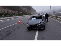 Samsun'da otomobil bariyere çarptı: 1 yaralı