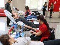 GAÜN öğrencilerinden şehitler anısına kan bağışı