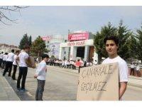 Düzce Kültür Fen Lisesi öğrencileri Çanakkale ruhunu sokağa yansıttı
