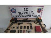Van'da terör operasyonu: 19 gözaltı