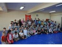 Edremit'te 3 bin 695 öğrenci sporla geleceğe koşuyor