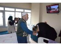 AK Parti yaşlıları unutmadı