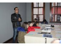 Öğrenciler müzede ders yaptı