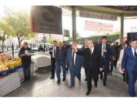 Vali Demirtaş pazarcı esnafı ile bir araya geldi