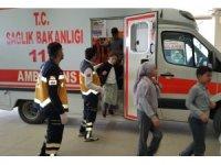 Beden dersinde kaşınmaya başlayan 13 öğrenci hastaneye kaldırıldı