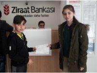 Öğrencilerinden Mehmetçiğe destek