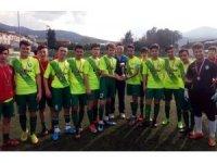 Salihli Belediyespor U16 takımı il şampiyonu