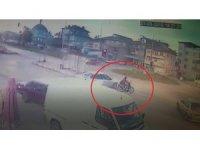 Kamyonun çarptığı motosiklet sürücüsü genç kız hayatını kaybetti
