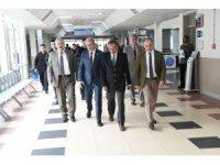 Vali Ayyıldız'dan Ege Üniversitesi Tıp Fakültesi ziyareti