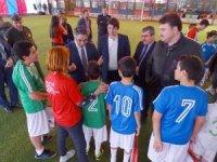 Özel öğrenciler futbol oynamayı sevdi
