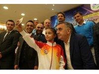 Başkan Toçoğlu milli sporcular ile bir araya geldi