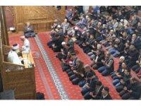 Vanlılar Regaip Kandili'nde camilere akın etti