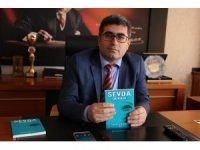 Kaymakam Çetin'in 'Sevda Durağı' kitabının ikinci baskısı yapıldı