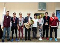 Akdenizli tenisçiler 2 madalya birden kazandı