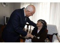 Belediye Başkanı Yaşar, 108 yaşındaki Mahya Nine'yi ziyaret etti