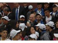 İçişleri Bakanı Soylu Mardinli çocuklarla kahvaltıda bir araya geldi