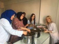 Kırıkhan Eğitim Gönülleri Derneği'nden Mehmetçiğe yemek