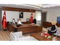 """Vali Demirtaş: """"Şehit ailelerinin daima yanında ve hizmetindeyiz"""""""