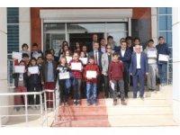 Özel yetenekli öğrencilere sertifikaları verildi