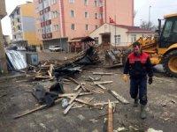 Kastamonu'da şiddetli fırtına yıkıp geçti