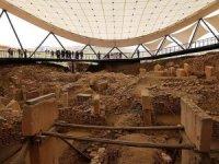 Dünyanın en eski tapınağı Göbeklitepe'de titiz çalışma sürüyor